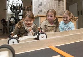 Neu für Kinder: ''Das Auto – wie läufts'' im Museum Industriekultur