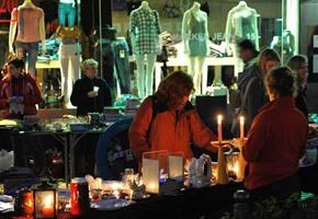Feilschen rund um die Uhr: Nachtflohmarkt in Osnabrück