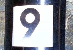 Gut sichtbare Hausnummern können Leben retten