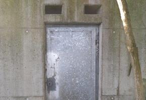 Stadt warnt: Lebensgefahr in alten Bunkeranlagen