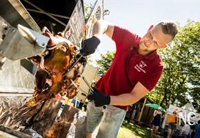 Schlemmen vor dem Rathaus: Street Food-Festival in der City
