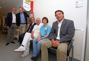 Klinikum: ''Pseudo-Bushaltestelle'' in der Notaufnahme