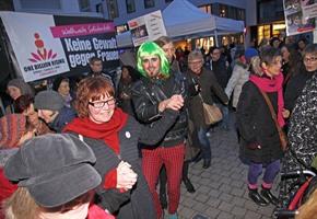 ''One Billion Rising'': Tanzen gegen Gewalt an Frauen