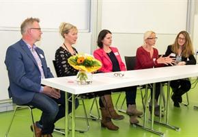 Frauen informierten sich über Karriereweg zur Hochschulprofessur