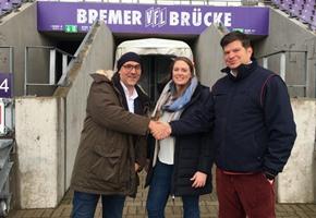 Burger und Sprit: ''Lila-weiße'' Tankstelle an der Bremer Brücke