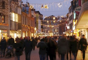 Einkaufen und Busfahren an den Feiertagen