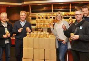 Wallenhorster Unternehmen verschenken Weihnachtskekse für guten Zweck