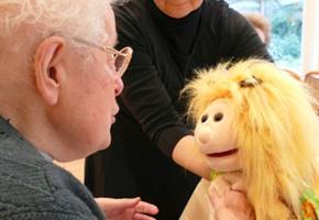Fortbildung zum Puppenspieler für Demenzkranke